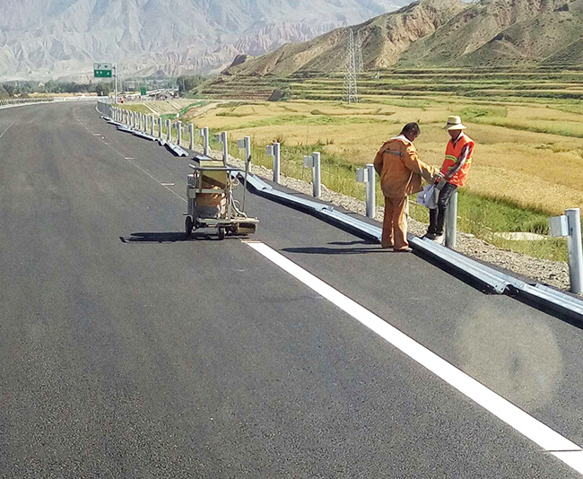 高速公路划线施工