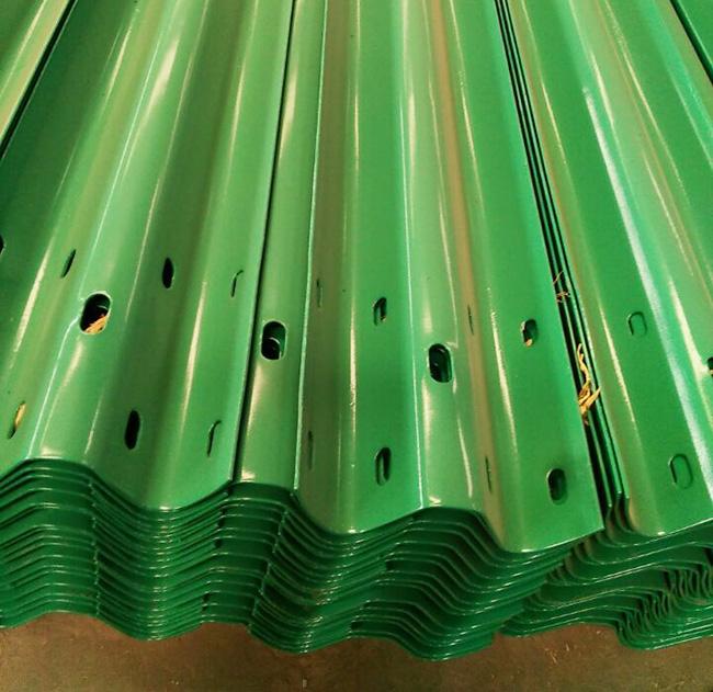 喷塑护栏绿色